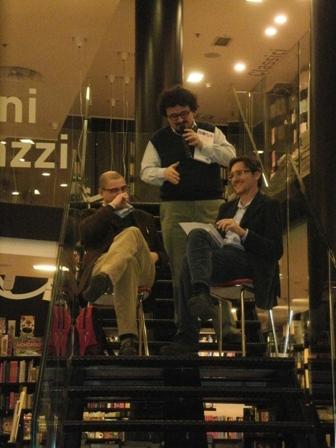 Giuliano e Marco Dell'Acqua con Gianni Biondillo, vincitore del premio Scerbanenco